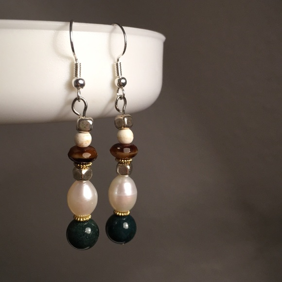 Jewelry - Fresh water pearls with Jade